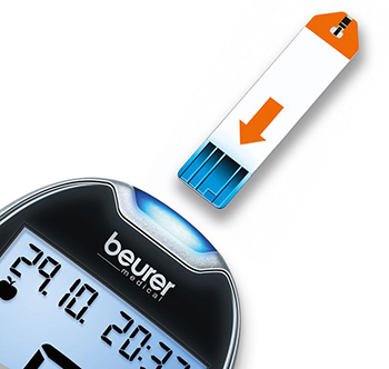 Beurer-GL44-Blood-Glucose-Monitor-Close-Up